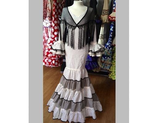 Confección de vestidos de novia, madrina, fiesta, flamenca...todo a medida