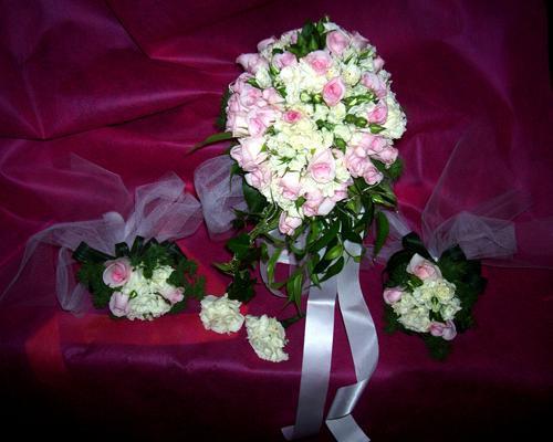 Bouquet per la sposa e le damigelle