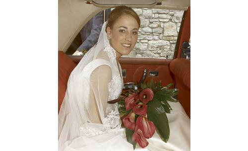 La novia, dentro del coche