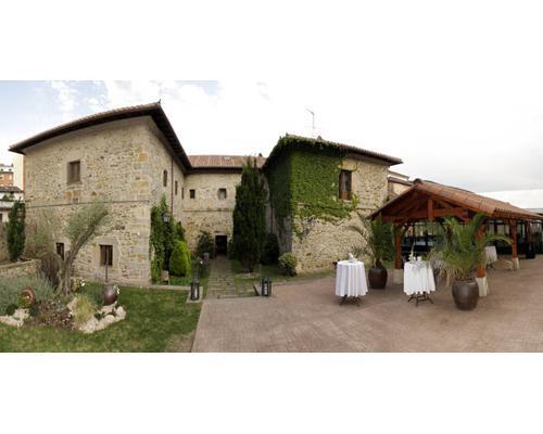 Exterior del hotel convento de san roque
