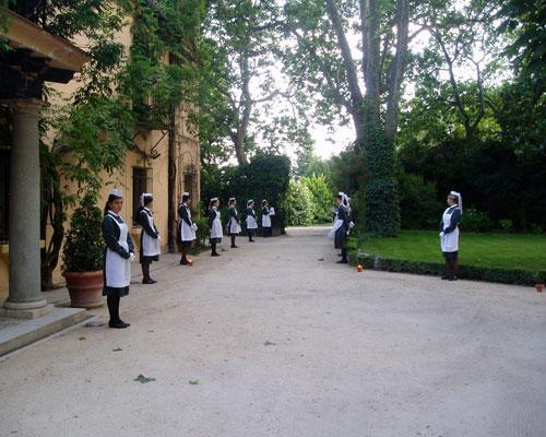 Camareros en la entrada