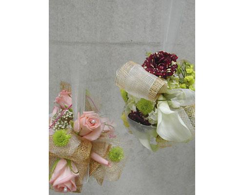 Pequeños bouquets coloridos