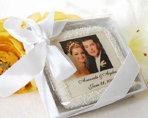 Galletas elaboradas artesanalmente y decoradas para bodas